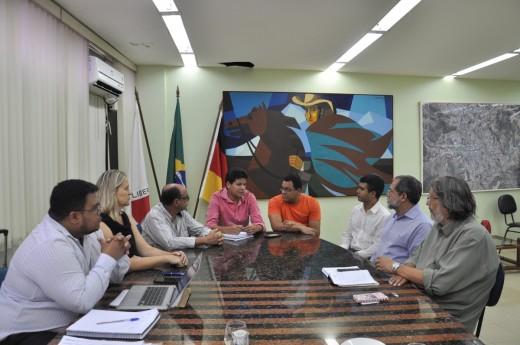 O prefeito destacou seu compromisso de viabilizar de forma ágil todos os recursos destinados à área da saúde