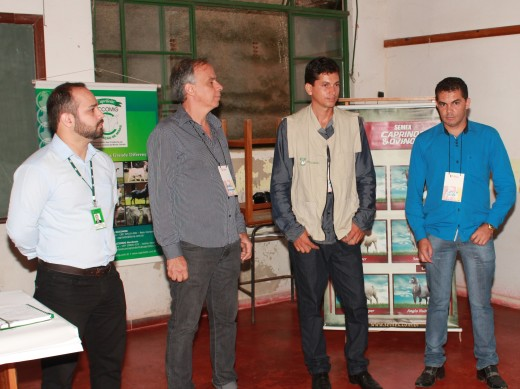 O secretário Sérgio Marcos (camisa azul) falou sobre a parceira da Prefeitura com o núcleo de inovação do Programa Rota do Cordeiro