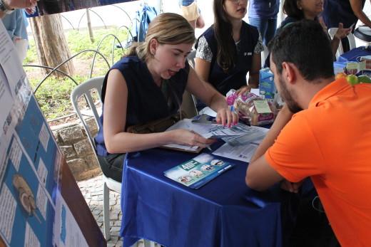 A psicóloga do SEST-SENAT Ana Carolina Guedes