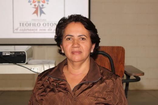 A pedagoga Valéria Fonseca enfatizou que a missão de orientar os jovens deve ser da família e da escola