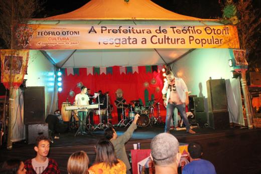 Wesley Xaves anima Festival de Quadrilha na noite de Sábado