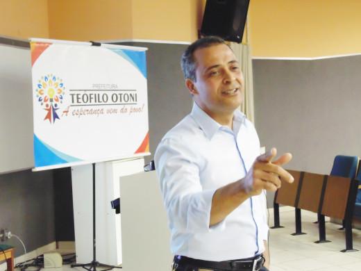 O Professor Simão Pereira, destacou que a ação foi uma iniciativa pioneira em que o setor público se aproxima da academia