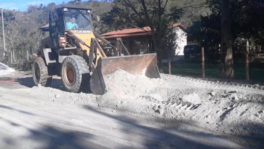 Reestruturação da via principal de acesso ao bairro