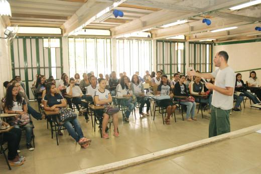 Alunos participaram oficinas oficinas e palestras voltadas para o meio ambiente