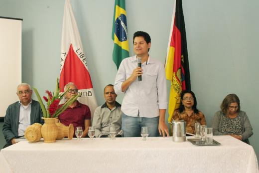 Daniel Sucupira enfatizou a importância de trazer as pesquisas acadêmicas para a capacitação do educador
