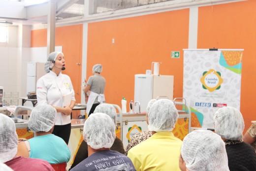 O evento contou com a orientação de duas nutricionistas e uma auxiliar de cozinha copy