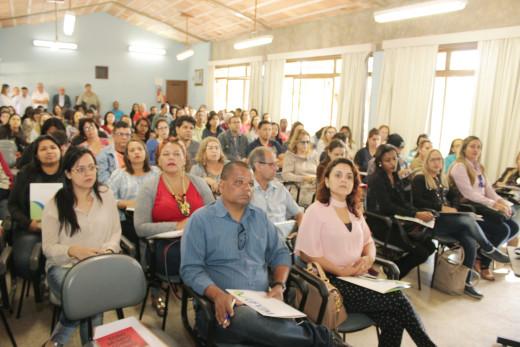Participaram mais de 100 professores do curso