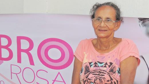 A feirante Estela Gomes ficou muito satisfeita com o atendimento nos exames realizados