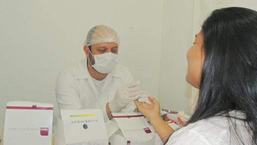 Foram realizados testes rápidos de Sífilis, AIDS, Hepatite B e C