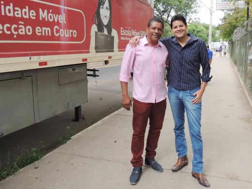 Jonas Boa ventura(à esquerda), afirmou que o objetivo é preparar mão de obra para os desafios de um mercado de trabalho competitivo