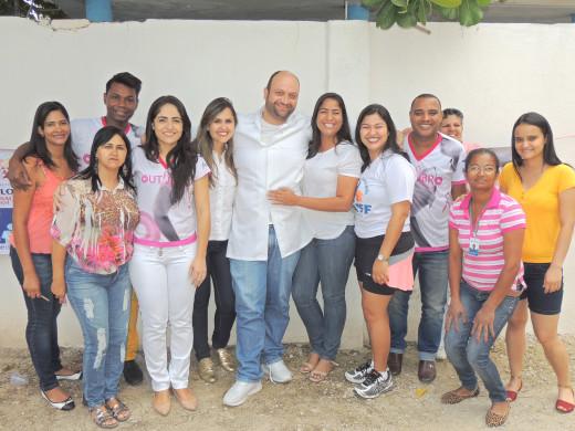 Profissionais do PSF Manoel Pimenta, da Secretaria de Saúde e do NASF se empenharam nos cuidados à mulher feirante