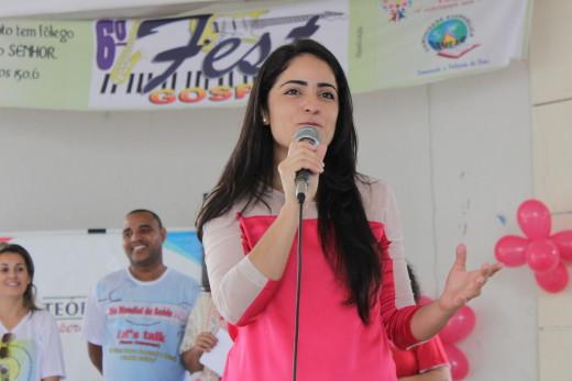 Quésia Mota divulgou a programação que a Prefeitura planejou para comemoração do Outubro Rosa
